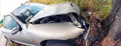 Araba Kullanırken Girdiği Cinsel İlişki Sonu Oluyordu! Araba Ağaca Tosladı, Yaralılar Çıplak Bulundu