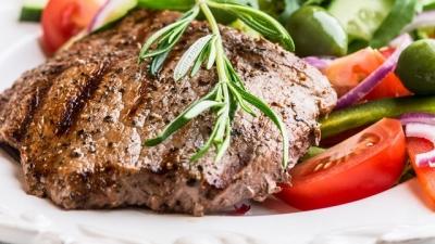Bayram Sofralarında Kırmızı Etin Yanına Mutlaka Bol Limonlu Salata Yapın