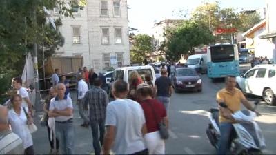 Beykoz'da Hafriyat Kamyonu Ahmet Mithat Efendi Yalısına Çarptı