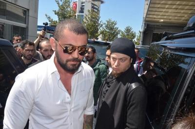 """Cezaevine Öyle Değil Böyle Gidilir! Sahte Kabadayı """"Çerkez Cengiz"""" Kurgu Cezaevinin Ardından Gerçekten Gözaltına Alındı!"""