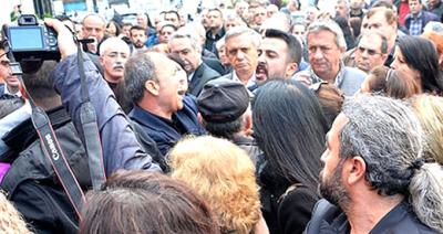 CHP'de Yine Kavga! Devir Teslim Töreninde Ortalık Karıştı, Küfürler Havda Uçuştu