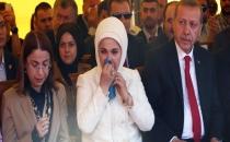 Cumhurbaşkanı ve Eşi Emine Erdoğan Gözyaşlarına Hakim Olamadı