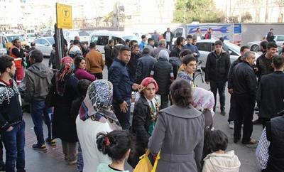 Diyarbakır'da Gergin Anlar! 3 Küçük Çocuğa Tacizde Bulunduğu İddia Edilen Şahsa Linç Girişimi
