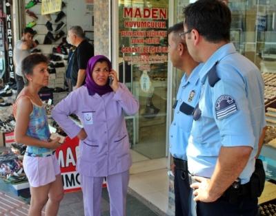 Dolandırıcılar Temizlik İşçisi Kadının Varını Yoğunu İstedi, Oyunu Kuyumcu Bozdu