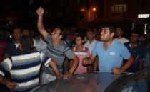 Elektrik kesintileri vatandaşı sokağa döktü