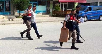 Eski Polis FETÖ Elebaşı Fetullah Gülen'e Küfreden Babasını Vurdu