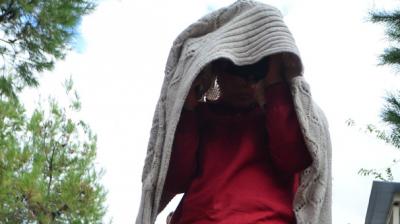 Eve Gelen Eski Kocasına Kızgın Yağ Döküp Satırla Saldırdı