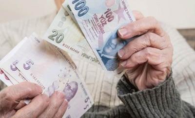 Gündemde Toplu Sözleşme Var! Emekliye Eşit Zam Mı Geliyor?