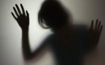 Günlük Ev Kiralayan Kız Tecavüze Uğradı