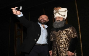 Halit Ergenç'in Selfiesi