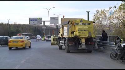 İstanbul Belediyesi Alarma Geçti! Ekipler Kar Küreme Araçları İle Ana Yola İndi