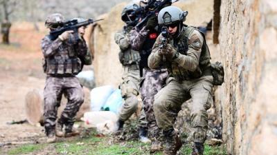 """Jandarmadan Afrin Operasyonu'na Yeni Marş: """"Doğmamış cihana böyle bir aslan, kükremiş sel gibi coşar Mehmedim"""""""