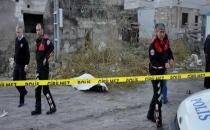 Kayseri'de Sokak ortasında Üniversite Öğrencisi Ölü bulundu.