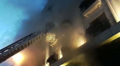 Kumkapı'da Korkutan Otel Yangını: 1 Kişi Dumandan Zehirlendi