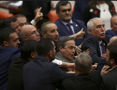 Meclis'te Afrin Kavgası! AK Parti ve HDP'li Vekiller Birbirine Girdi: 3 Vekil Yaralandı