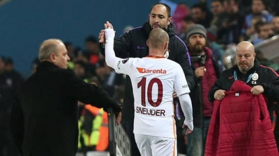 Medipol Başakşehir - Galatasaray Maçından Sonra Igor Tudor ve Wesley Sneijder Kavga Etti