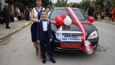 Milli Savunma Bakanı Fikri Işık'tan Şehit Çocuğu Metehan'a Büyük Jest! Metehan'ın Sünnet Düğünü Arabası Bakan Işık'ın Makam Aracı Oldu!
