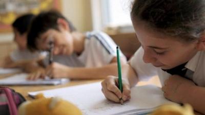 """Okullarda 12 yıllık """"Bitişik Eğik El Yazısı"""" Dönemi Kapandı!"""