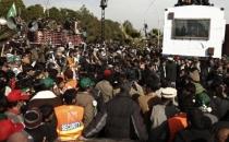 Pakistan'da göstericiler kırmızı bölgeye girdi