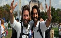 Parasız Dünya Turuna Çıkan İkili Türkiye'de Soyuldu