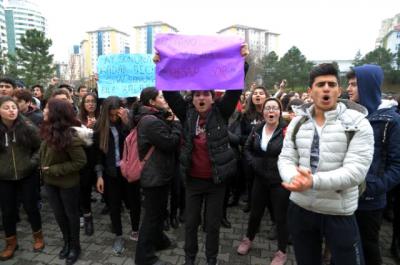 Son Bulmuyor! İstanbul'da Okul Hademesi Öğrencileri Taciz Etti, Okul Müdürü'nün Savunması Pes Dedirtti