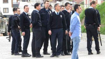 Son Dakika! İstanbul Maltepe'de Gergin Saatler: Polislere Taşlı Sopalı Saldırı