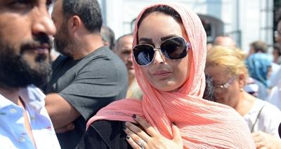 Vatan Şaşmaz'ın Cenazesinde Şok İsim! Filiz Aker'in yeğeni Dora Ercan Cenazeye Katıldı