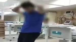 Yoğun Bakımda Dans Edip Koptular! Kendinden Geçen Hasta Bakıcının Skandal Görüntüleri!
